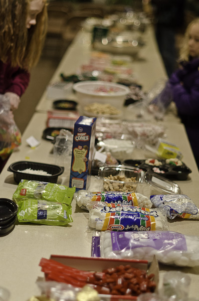 121215_GingerbreadHouseEvent_001
