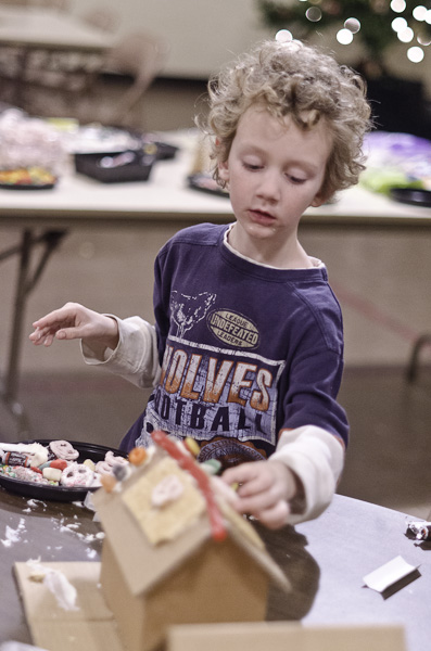 121215_GingerbreadHouseEvent_030