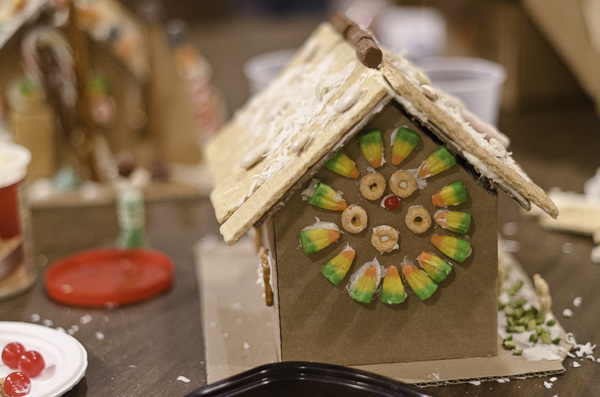 121215_GingerbreadHouseEvent_044