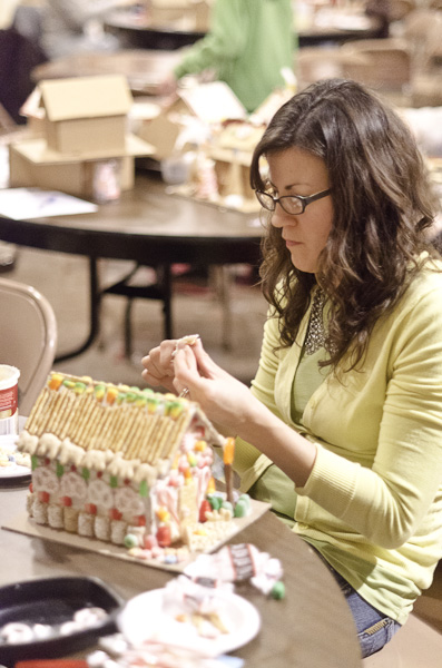 121215_GingerbreadHouseEvent_057