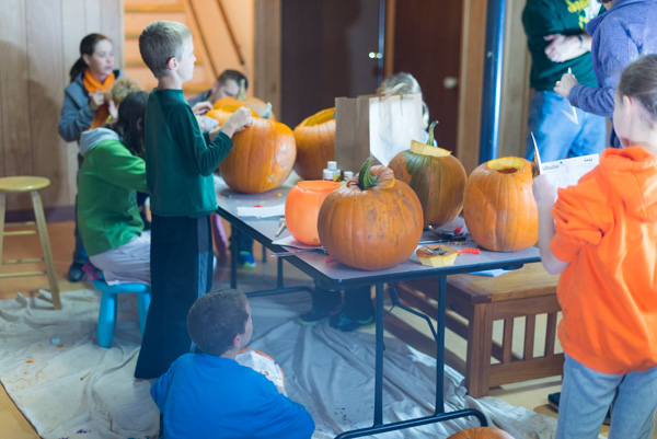 141030_PumpkinCarving_022
